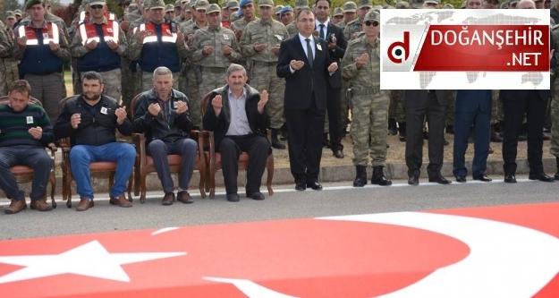 Erkenek'te yol kontrolü yapan askerlere TIR çarptı: 1 şehit