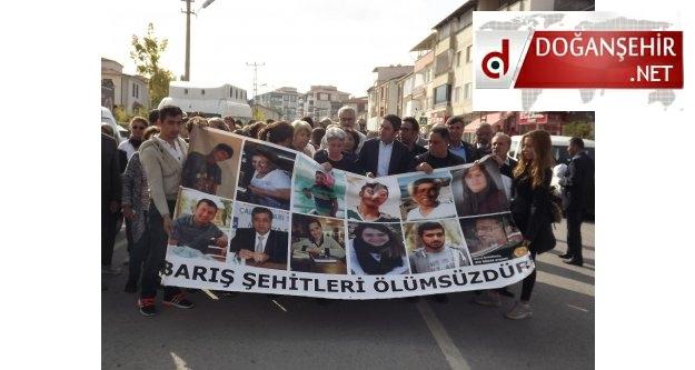 Malatya da 10 Ekim 2015 tarihinde Ankara'da yaşanan katliamda hayatlarını kaybedenler için anma etkinliği düzenlendi.