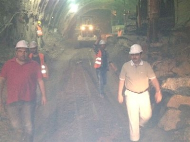 Vali Şahin  Erkenek  Tünel İnşaatlarında İnceleme Yaptı