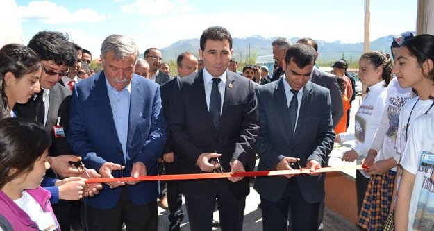 Doğanşehir'de Tubitak-4006 Bilim Fuarı