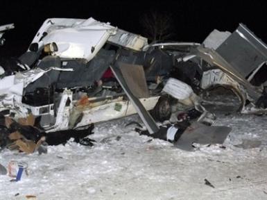 Öğretmen Servisi ile Tır Çarpıştı  6 Ölü  8 Yaralı