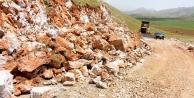 Doğanşehir'in Kurucuova Mahallesinde 14 kilometrelik yol çalışması yapılıyor