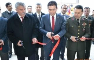 Anadolu Lisesi Kütüphanesi Açılışı Yapıldı