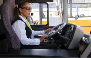 Malatya Belediye Otobüsünde İlk Bayan Şoför Göreve...